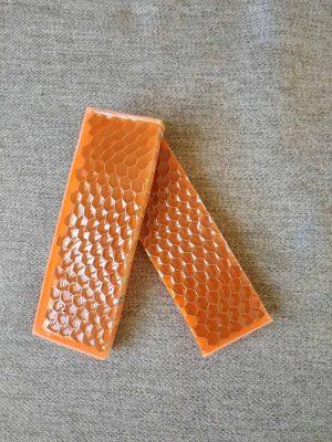 Honeycomb - orange neon 125x38x10 mm.