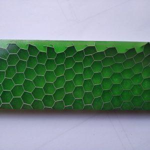 Honeycomb - grass green 125x38x10 mm.